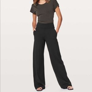 Lululemon Wind Down pant (Gorgeous!!!)